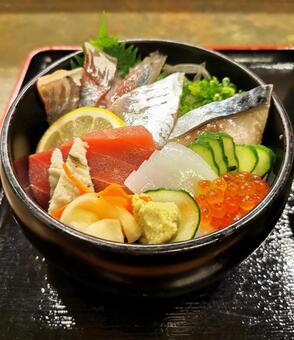 아름다운 해물 덮밥