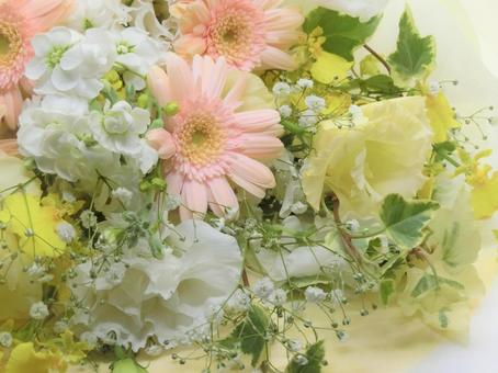 Fluffy spring color bouquet