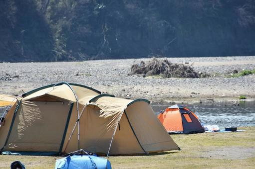 Camp on the riverbed