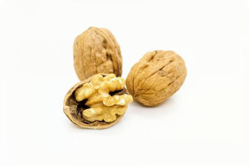 Walnuts, walnuts, walnuts, nuts