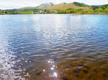 Smooth lake surface (Lake Shirakaba / Kirigamine)