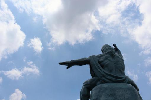 평화 기념상 뒷모습 나가사키 현 나가사키시 002