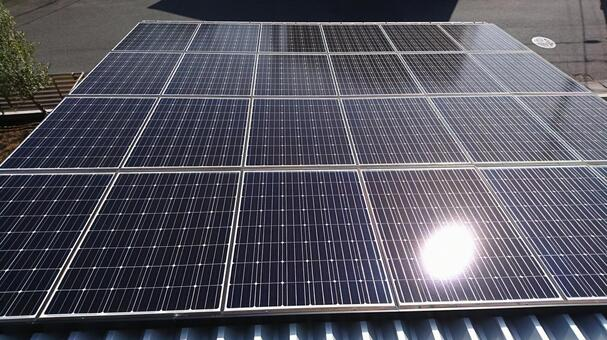Selling electricity with sunlight
