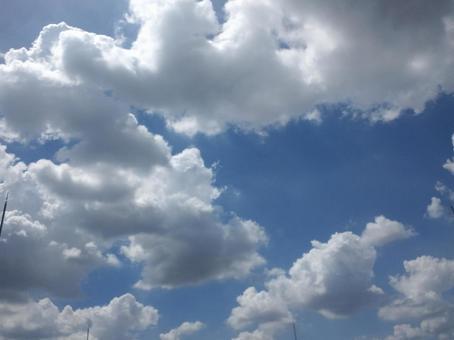 비구름과 뭉게 구름