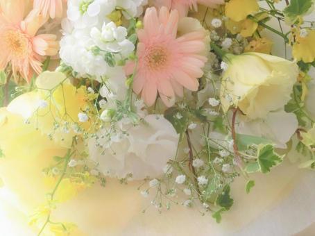 Soft spring color bouquet