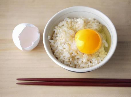 현미와 찹쌀 보리 계란을 얹은 밥 [1]