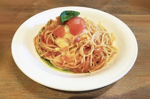 트롤 모짜렐라 트롤 녹는 토마토 스파게티