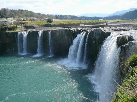 Harajiri的瀑布