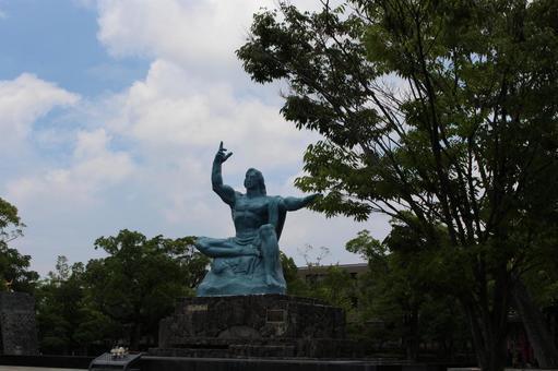長崎縣長崎市和平紀念雕像005