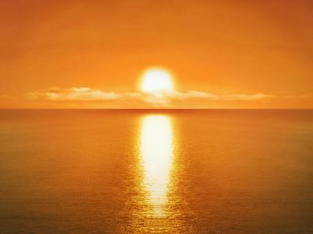The sea where the setting sun sets
