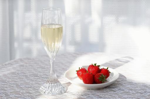 香槟和草莓2