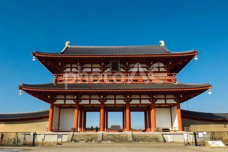 古都奈良 朱雀門から大極殿を望むの写真