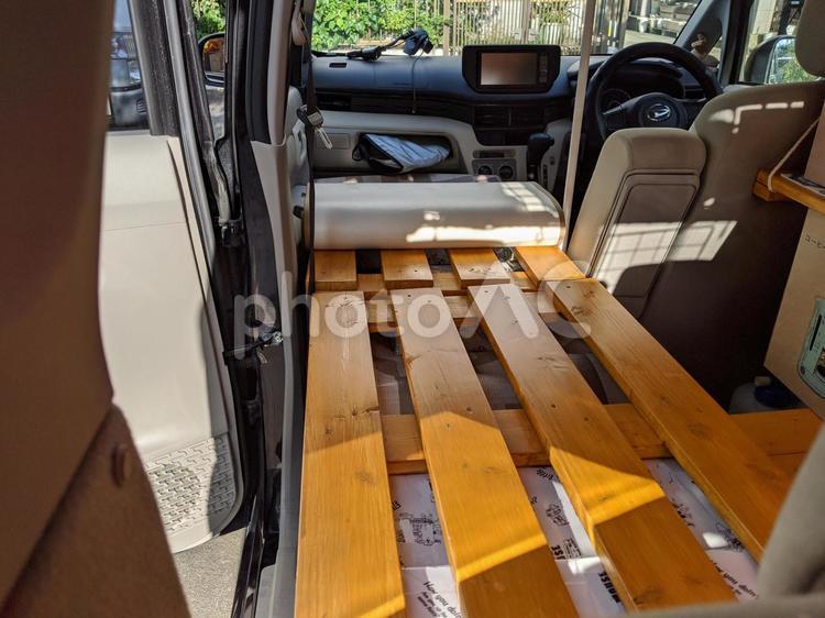 車中泊仕様の軽自動車の写真