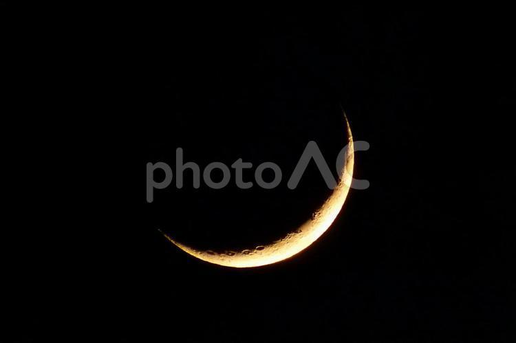 三日月(月齢2.6)の写真