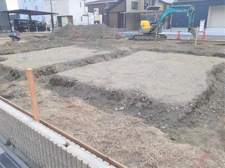 주택 건설 공사중 인 토지