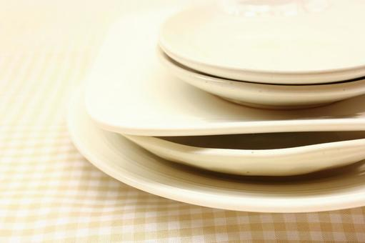 Piled dishes