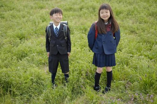 小学男生和女生24