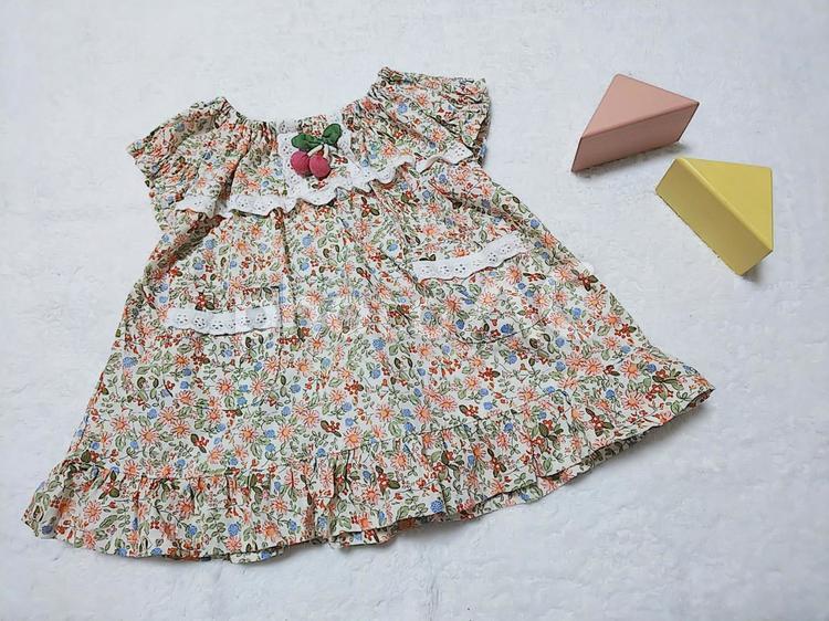 女の子の服の写真