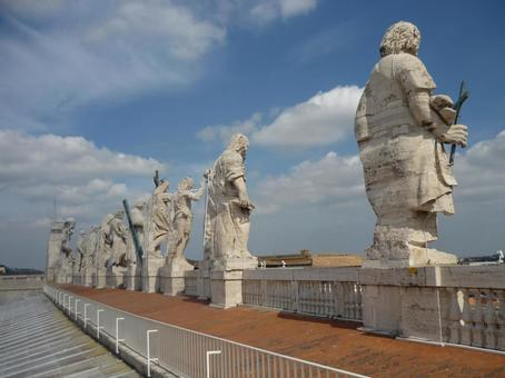 Backs of guardian statues