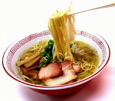 Chinese noodles ☆ lifting noodles with chopsticks ☆ Showa retro stalls