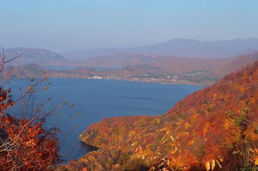 Autumn leaves of Towada Lake