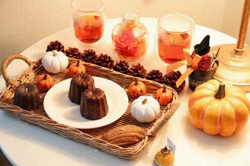 Halloween and Canelé ③