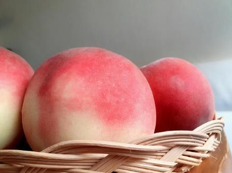 A delicious peach!