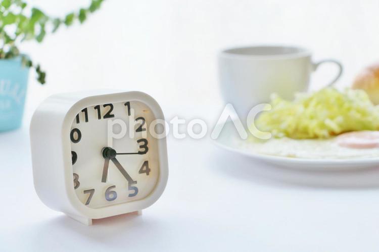 目覚まし時計 朝の写真