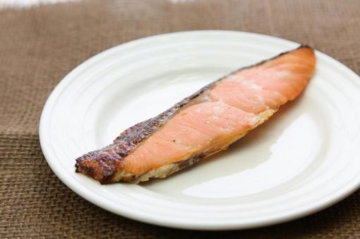 Grilled salmon 3