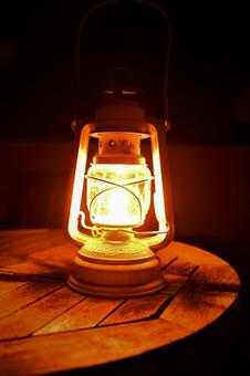 Small oil lamp lantern