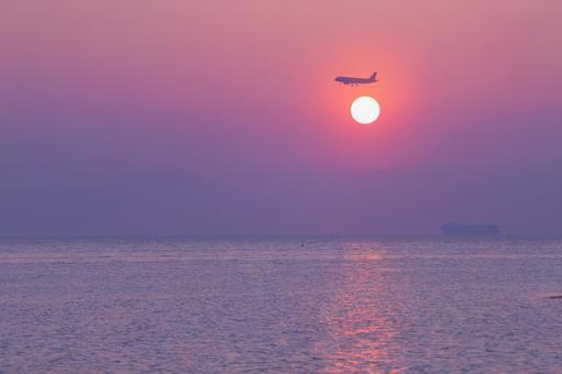 日落和飞机