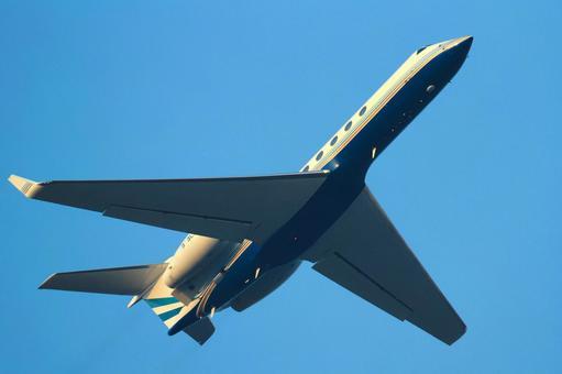 Airplane Business