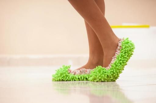 在清洗脚拖2