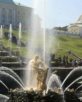 피터 대제 여름 궁전 페테르 고프, 러시아.