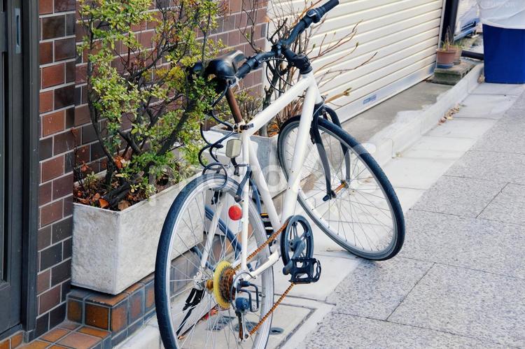 下町の自転車の写真