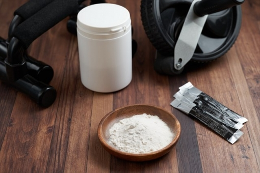 Powdered supplements and muscle training tools for training