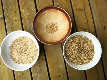 Bucket rice polished rice