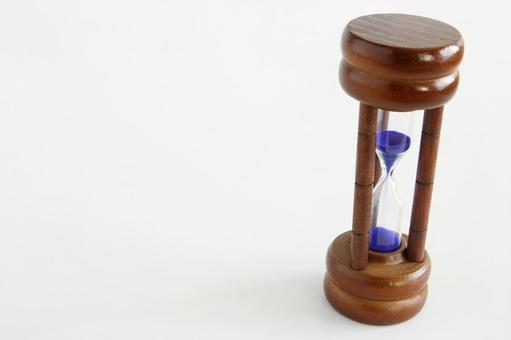 Hourglass right