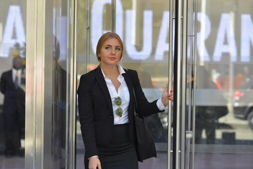 Suit Foreign Women 4