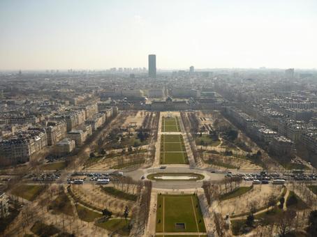 パリを上空から見た景色 2