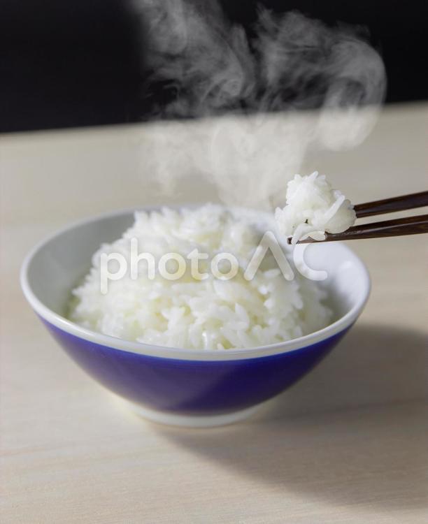 炊き立てご飯/箸のせverの写真