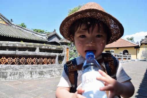 Children who hydrate in summer
