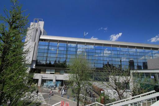 Shinano-cho station building