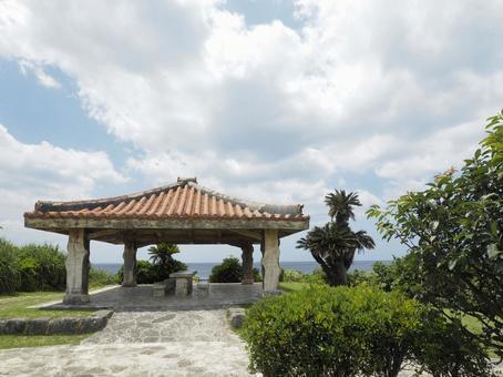그늘 _ 渡具知 비치 _ 泊城 공원 (오키나와 현 요 미탄 촌 渡具知)
