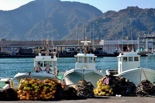 Mochimune fishing port after shirasu fishing