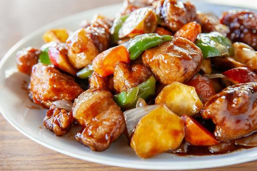 Sweet and sour pork with balsamic vinegar