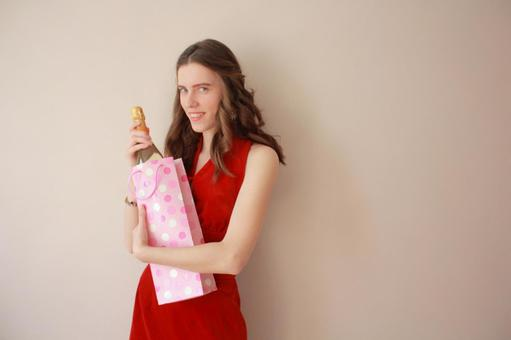 用香槟酒瓶6女