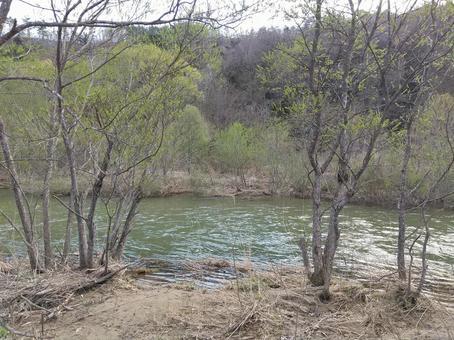 Flow of the Surikami River Iizakamachi Moniwa