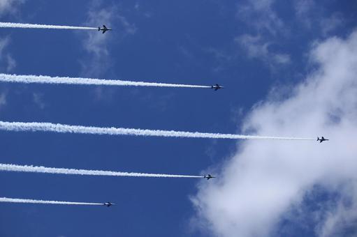It is a flight of Blue Impulse