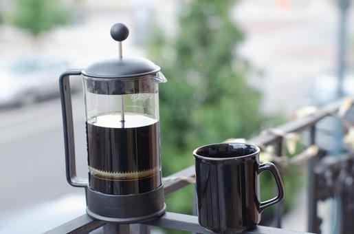 French press and cup 2